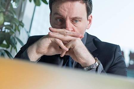 Und dann war das Geld weg: Privat-Verkäufer sollten sich bei Kleinanzeigen nicht auf krude Abwicklungen einlassen. Foto: Alexander Heinl/dpa-tmn