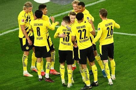 Borussia Dortmund untermauerte seine Ambitionen auf einen Champions-League-Platz. Foto: Christoph Koepsel/Getty Pool/dpa