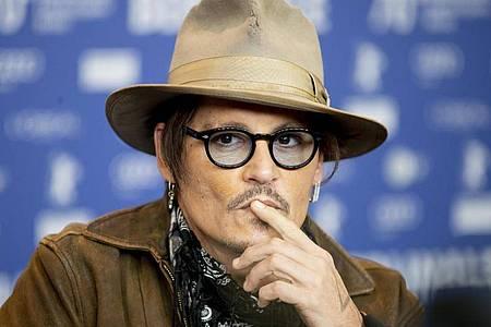 Im Cowboylook: Johnny Depp auf der Berlinale. Foto: Christoph Soeder/dpa