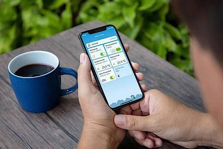Oberfläche aufgeräumt: AVM hat eine neue Version der Fritz-App Smart Home veröffentlicht, mit der sich Smart-Home-Geräte im Heimnetzwerk steuern lassen. Foto: AVM GmbH/dpa-tmn