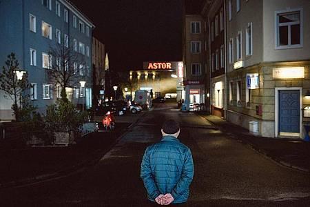 Ein letzter Blick: Die ARD-Kultserie «Lindenstraße» ist vorbei. Foto: Steven Mahner/WDR/dpa