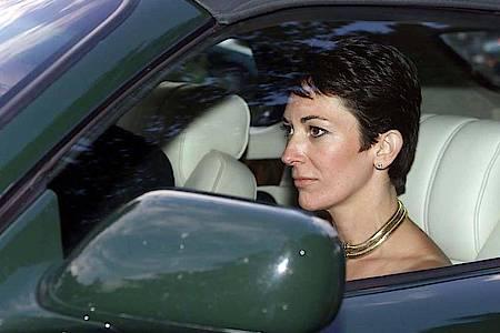 Ghislaine Maxwell im Jahr 2000 die Hochzeit einer Freundin. Foto: Chris Ison/PA Wire/dpa