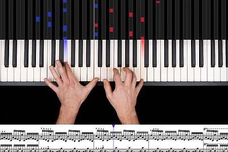 Für Klavierspieler: Music2me arbeitet mit Vogelperspektive und Pedalerkennung. Foto: Music2me GmbH/dpa-tmn