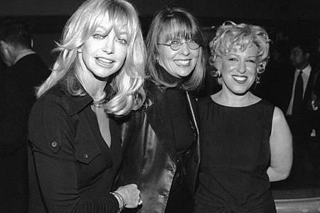 Goldie Hawn, Diane Keaton und Bette Midler bei der Premiere ihres Films «Der Club der Teufelinnen». Foto: Vince Bucci/dpa