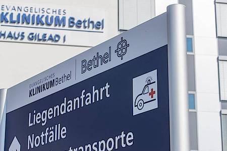 Blick auf das evangelische Klinikum Bethel. Foto: Friso Gentsch/dpa