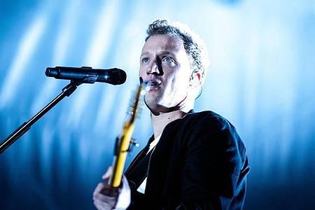 Auf seinem neuen Album verbindet Joris das Schwere mit dem Leichten. Foto: Alexander Prautzsch/dpa-Zentralbild/dpa