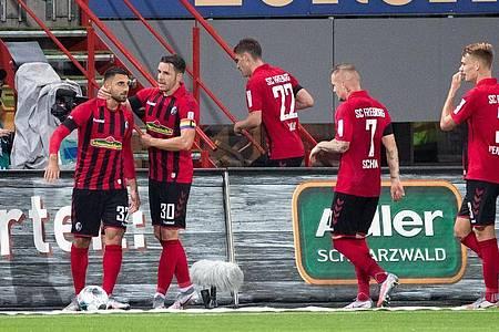 Der SC Freiburg wahrte mit dem Sieg gegen Hertha BSC die Chancen auf die Europa League. Foto: Tom Weller/dpa pool/dpa