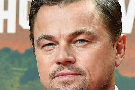 Schauspieler Leonardo DiCaprio spielt gemeinsam mit Lily Gladstone im Thriller «Killers of the Flower Moon». Foto: Jens Kalaene/dpa-Zentralbild/dpa/Archiv