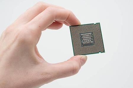 Ohne Prozessor läuft im Computer nichts. Foto: Karolin Krämer/dpa-tmn