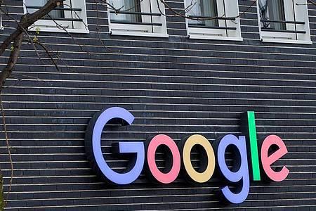 Google warnte vergangene Woche Nutzer von Huawei-Geräten, dass aus anderen Quellen geladene Versionen von Apps des Internet-Konzerns «nicht zuverlässig» funktionieren würden. Foto: Marc Müller/dpa