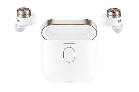 Doppelt ausgelegte Treiber, ein Bluetooth-Sender in der Ladedose und Aptx-Adaptive-Technologie zeichnen den neuen B&W PI7 (399 Euro) aus. Er ist auch in Schwarz verfügbar. Foto: B&W/dpa-tmn