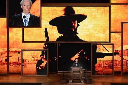 Clint Eastwood wurde als wortkarger Westernheld berühmt. Foto: Shawn Thew/EPA/dpa