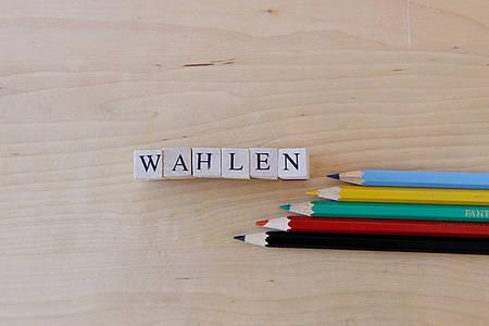 """Buntstifte mit dem Schriftzug """"Wahlen"""""""