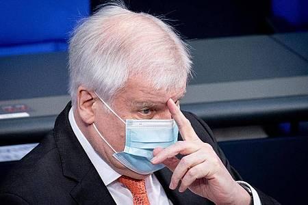 Bundesinnenminister Horst Seehofer ist positiv auf Corona getestet worden. Foto: Kay Nietfeld/dpa