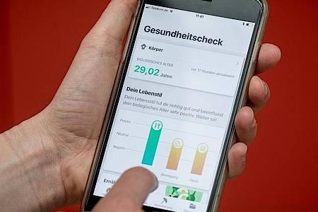 Ab 1. Januar 2021 soll die elektronische Patientenakte als freiwilliges Angebot für alle Versicherten zur Verfügung stehen. Der Bundestag hat nun Regeln für die Funktionen beschlossen. Foto: Michael Kappeler/dpa/Archiv