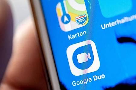 Googles Videochat-App Duo lässt ab sofort virtuelle Versammlungen von bis zu einem Dutzend Menschen zu. Foto: Zacharie Scheurer/dpa-tmn