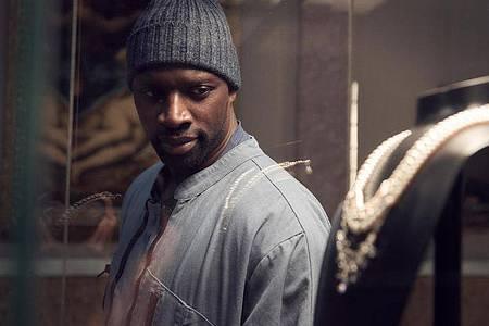 Ziemlich gelungen:Omar Sy als Gentleman-Gauner Assane Diop. Foto: Emmanuel Guimier/Netflix/dpa