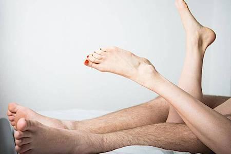 Wie lieben sich die Deutschen? Für eine neue Großstudie zum Sexualverhalten wurden 5000 Menschen befragt. Foto: Christophe Gateau/dpa