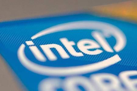 Intel profitiert weiterhin von der erhöhten PC-Nachfrage in der Corona-Pandemie. Foto: Ralf Hirschberger/dpa