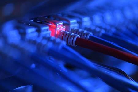 Homeoffice und die Nutzung privater Hard- und Software erhöhen das Risiko erfolgreicher Cyberangriffe. Foto: Felix Kästle/dpa