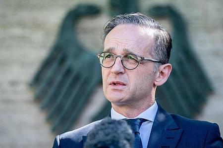 Außenminister Heiko Maas (SPD) unternimmt erstmals seit Beginn der Corona-Krise wieder einen Auslandsbesuch. Foto: Kay Nietfeld/dpa