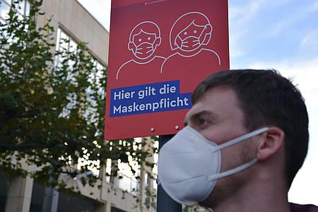 lockdown-regeln-kreis-herford-mann-maske