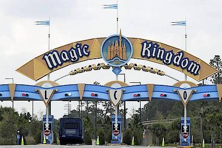 Die Freizeitparks der Walt Disney World in den USA sind wegen der Corona-Krise schlecht besucht. Foto: John Raoux/AP/dpa