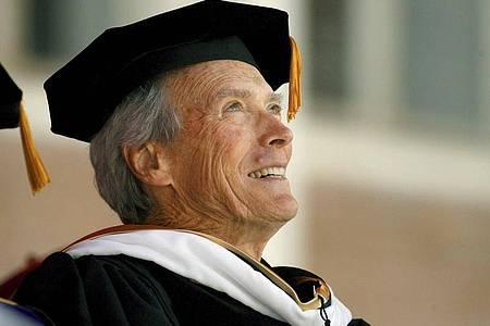 Für seinen Verdienste um den Film erhielt Clint Eastwood 2007 die Ehrendoktorwürde der University of Southern California in Los Angeles. Foto: Paul Buck/EPA/epa/dpa