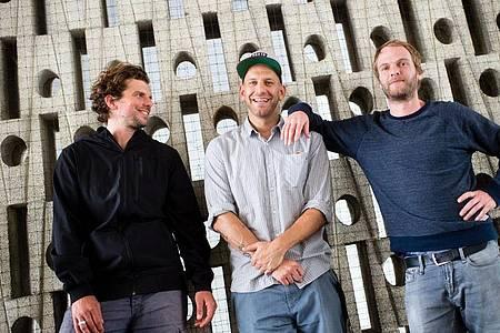 Rüdiger Linhof (l-r), Florian Weber und Peter Brugger von der Indie-Rock-Gruppe Sportfreunde Stiller. Foto: Matthias Balk/dpa