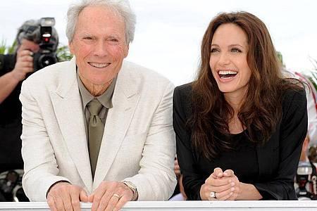 Clint Eastwood und Angelina Jolie stellen beim Festival in Cannes ihren Film «Der fremde Sohn» vor. Foto: Christophe Karaba/epa/dpa