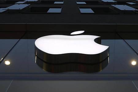 Apple stellt seine neuen Produkte vor. Foto: Matthias Schrader/AP/dpa