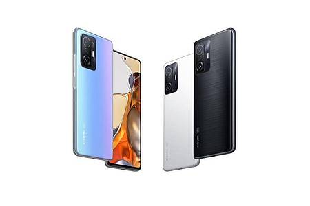 Drei Farben: Das neue Xiaomi 11T Pro (ab 650 Euro) ist in Blau, Weiß und Grau-Schwarz zu haben. Foto: Xiaomi/dpa-tmn