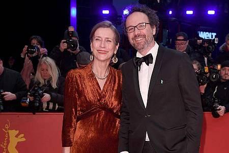 Die neue Berlinale-Leitung zeigt sich: Carlo Chatrian und Mariette Rissenbeek. Foto: Britta Pedersen/dpa-zentralbild/dpa