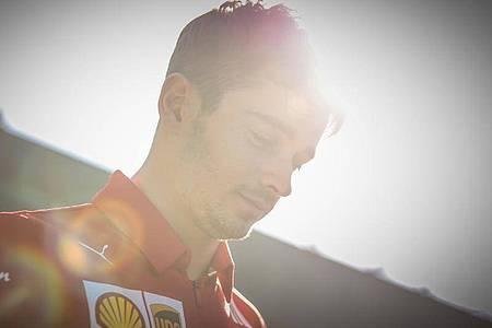 Drehte in Maranello Runden mit dem Ferrari SF1000: Charles Leclerc. Foto: Chris Putnam/ZUMA Wire/dpa