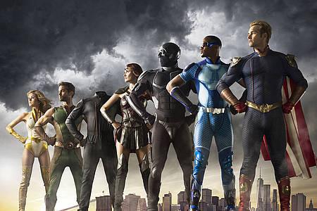 7 Superhelden in Uniform - Plakat von The Boys