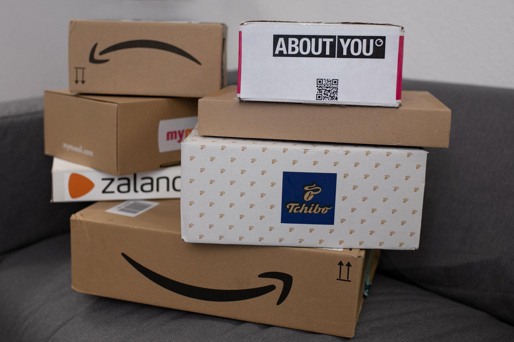 pakete-päckchen-01