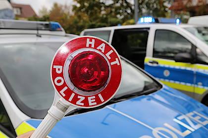 Halte-Schild der Polizei