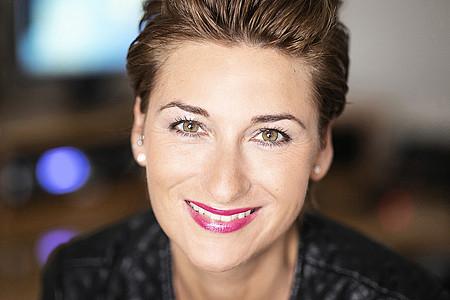 Nadine Hofmeier - Moderatorin - DIE VIER VON HIER