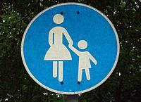 Schild Fußgängerweg