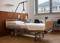 Leeres Krankenhausbett