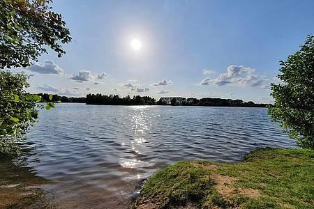 Sonne über einem See