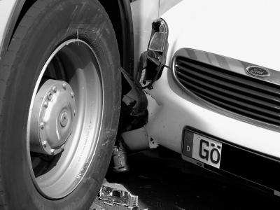 Zusammenstoß zweiter Autos